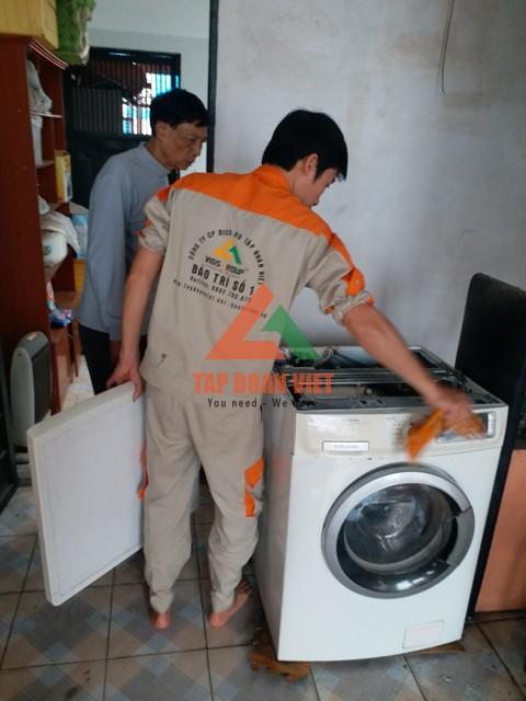Liệu có thể tự sửa máy giặt bị tắc nước tại nhà?