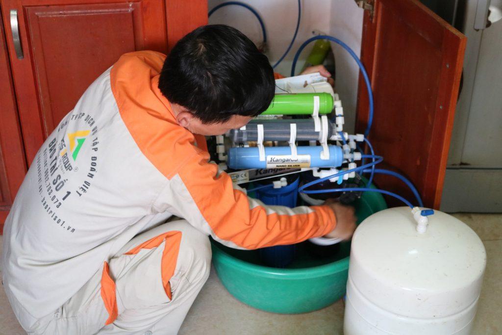 Sửa máy lọc nước tại nhà an toàn - uy tín