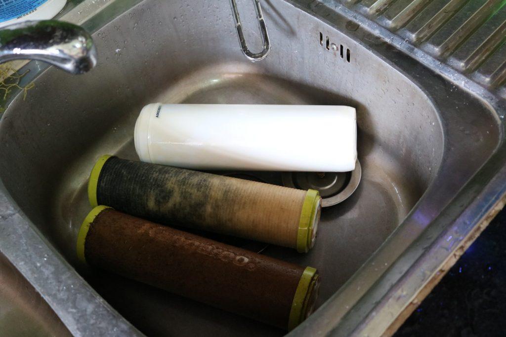 Sửa máy lọc nước karofi - Nên tiến hành thay mới lõi lọc định kì